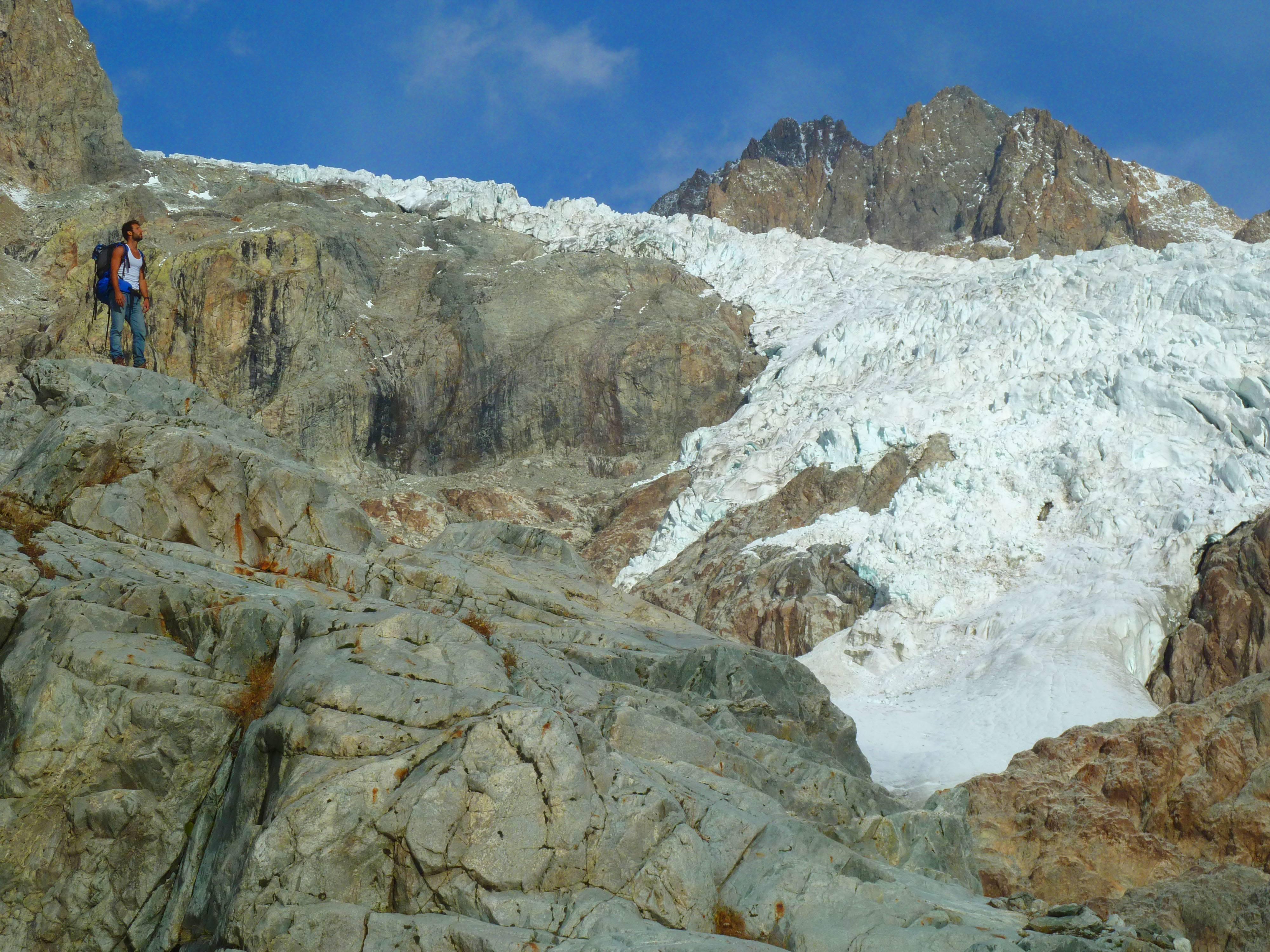 Photo 2: Le refuge du Glacier Blanc