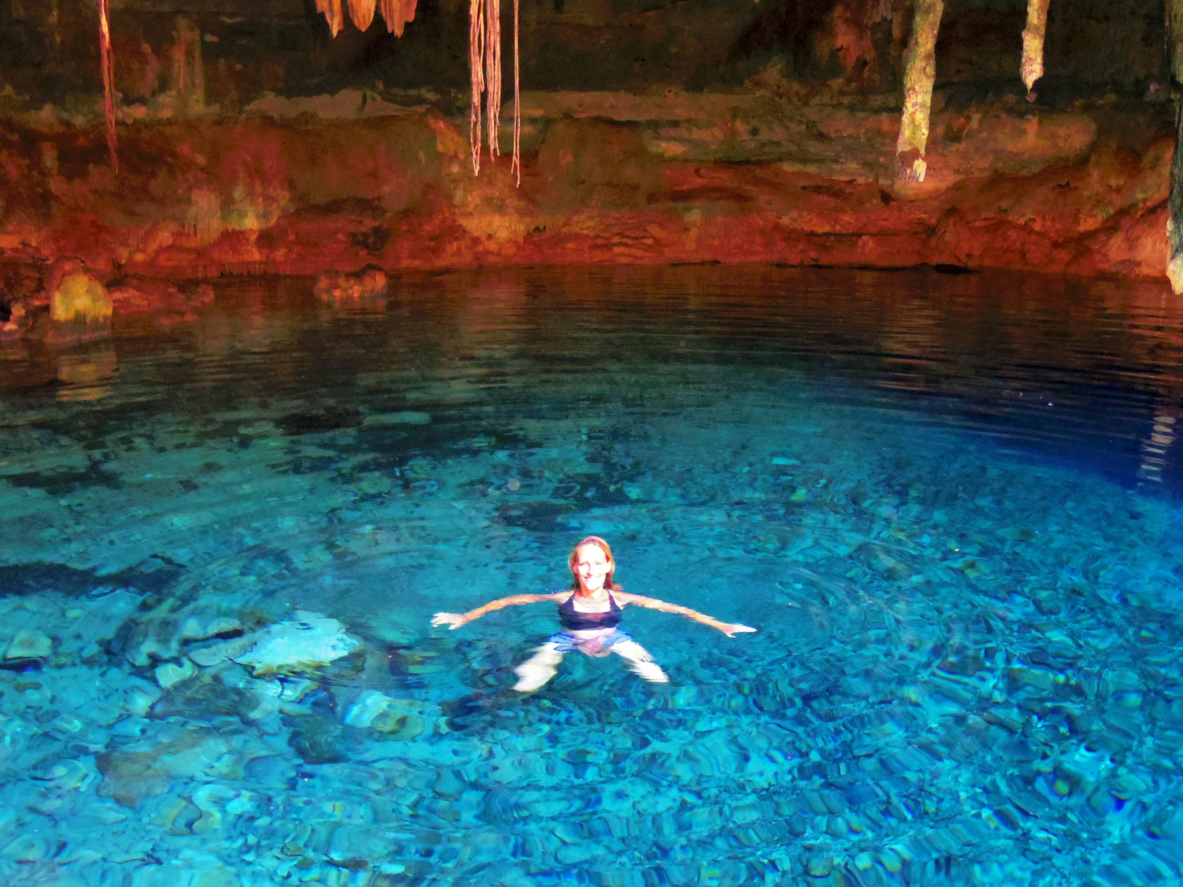 Photo 1: Baignade aux portes du monde sous-terrain - Cenote Kankirixche