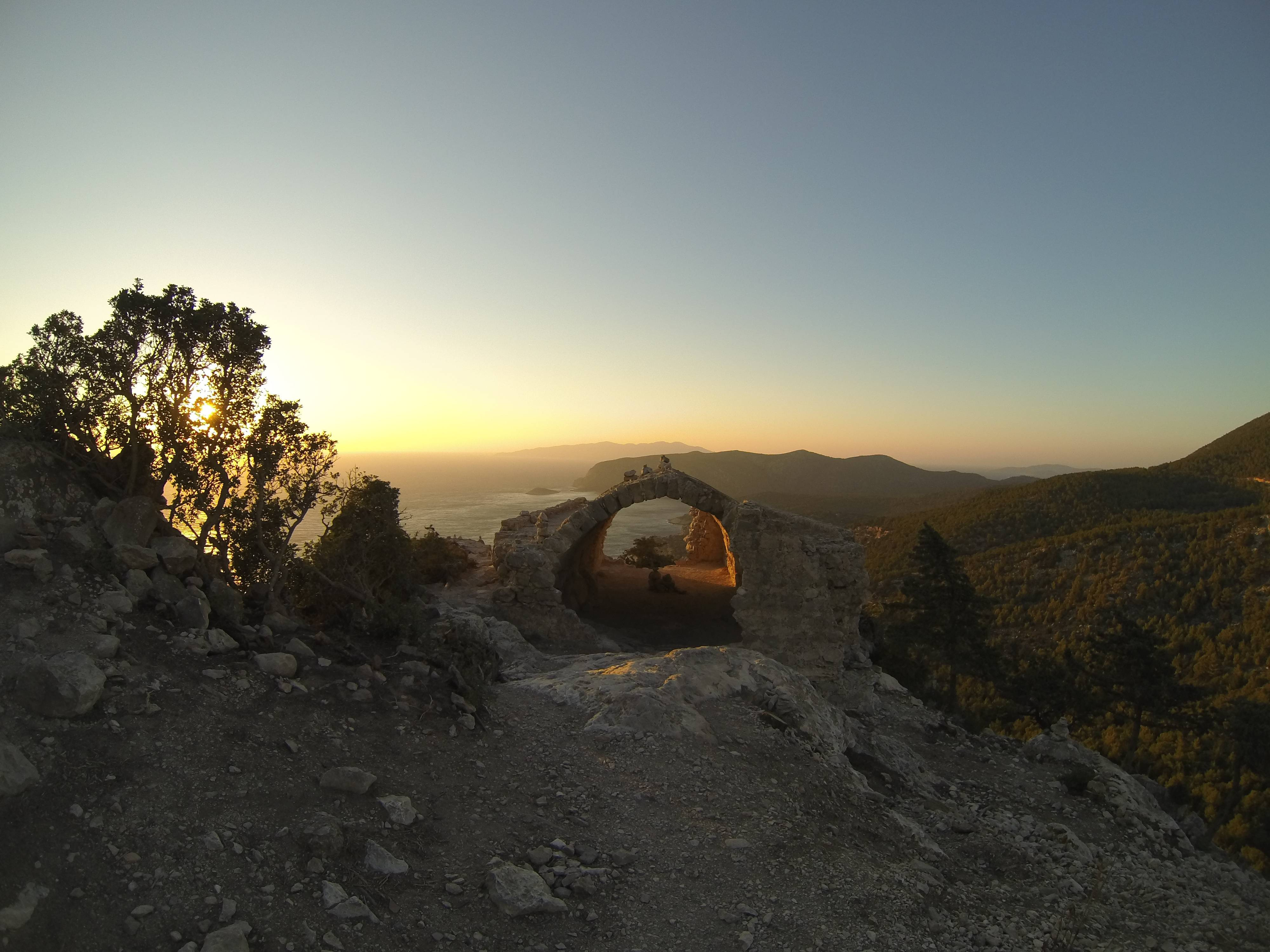 Photo 2: Sunset à Monolithos !