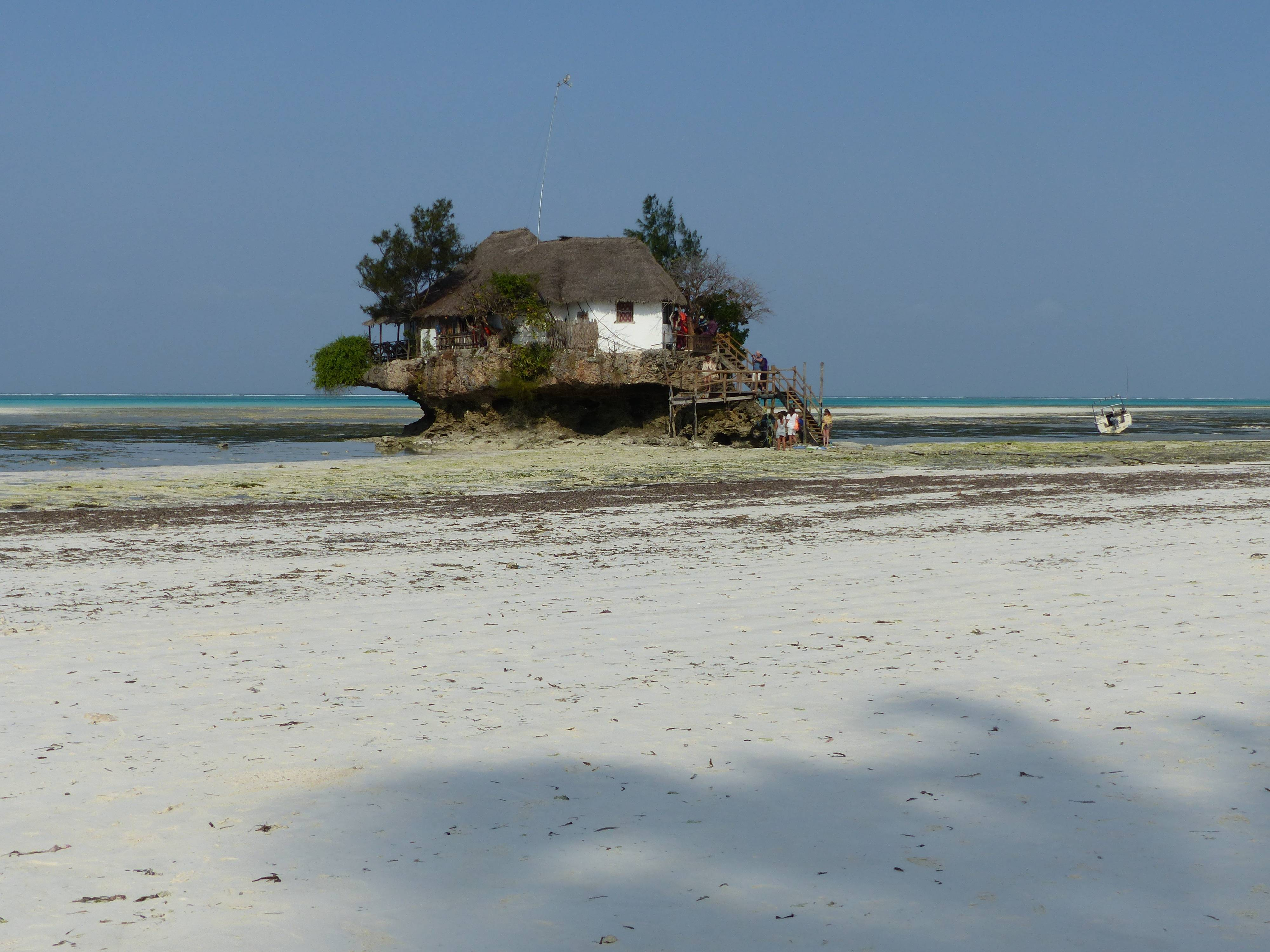 Photo 2: TANZANIE ZANZIBAR - THE ROCK