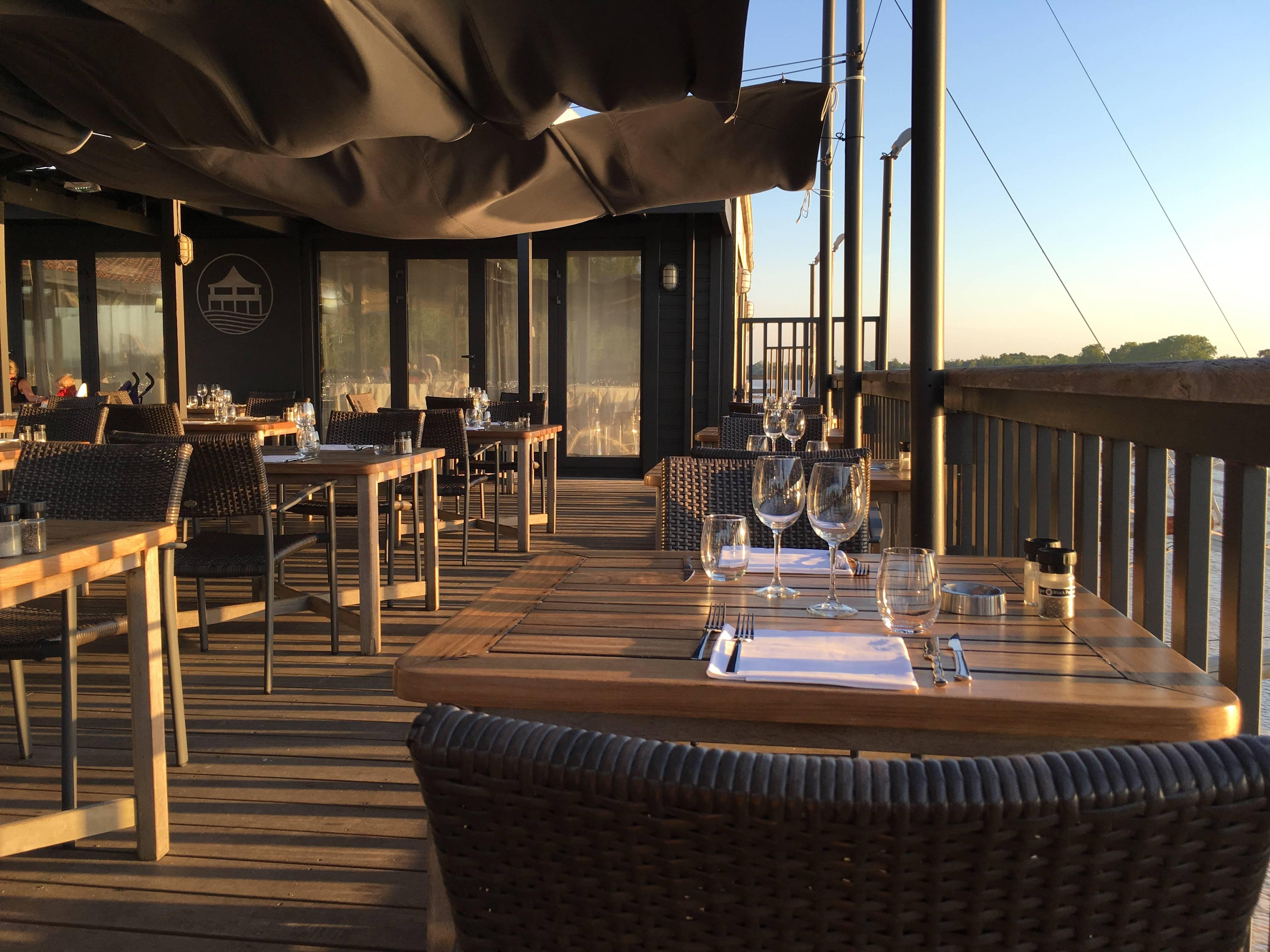 Photo 1: Restaurant la maison du fleuve
