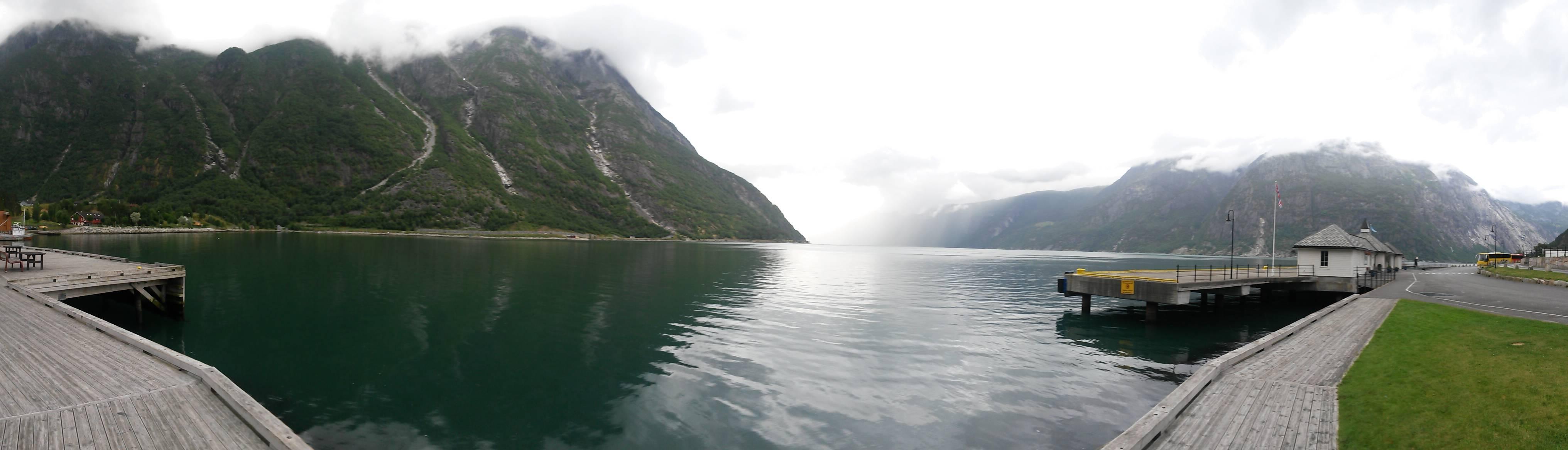 Photo 2: Escale à Eidfjord