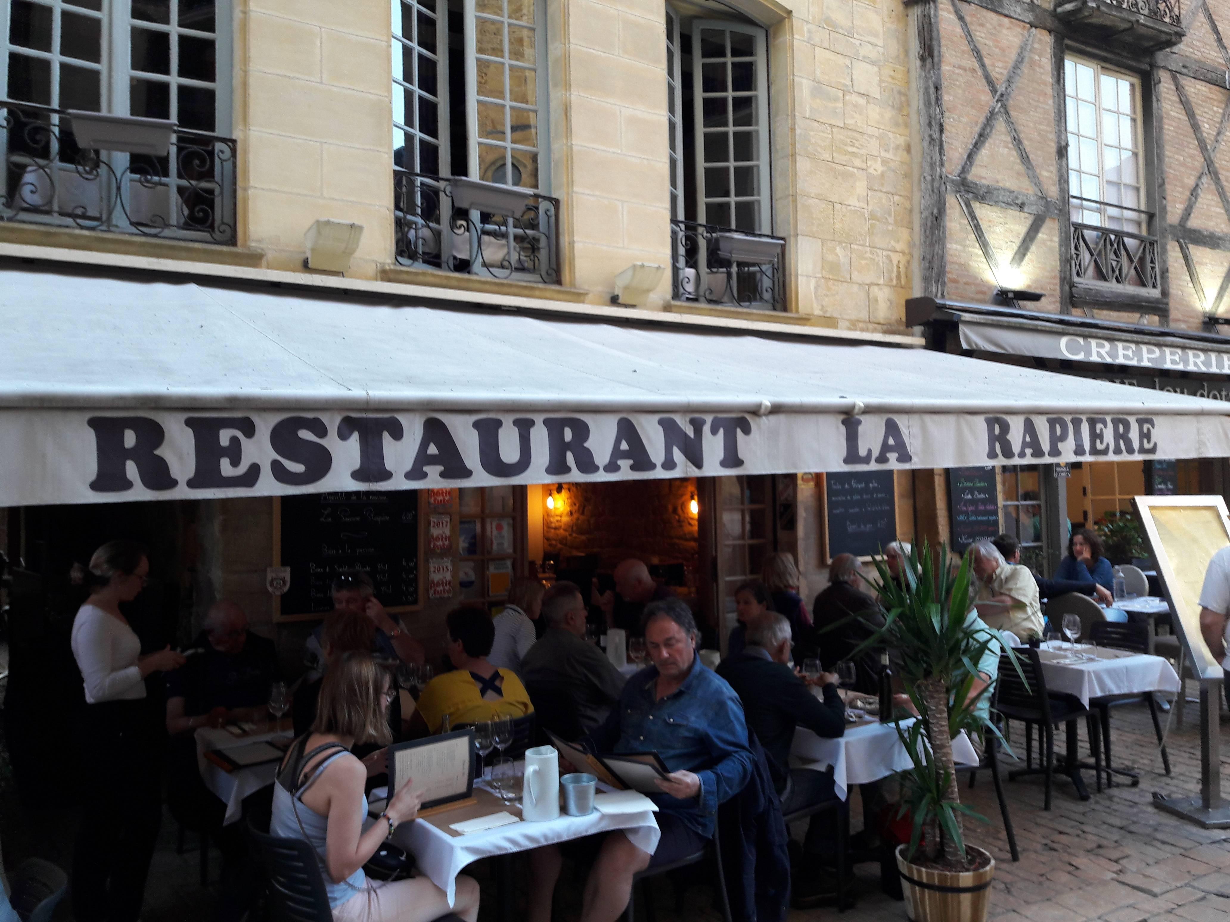 Photo 1: Un excellent restaurant, tout sur le canard!