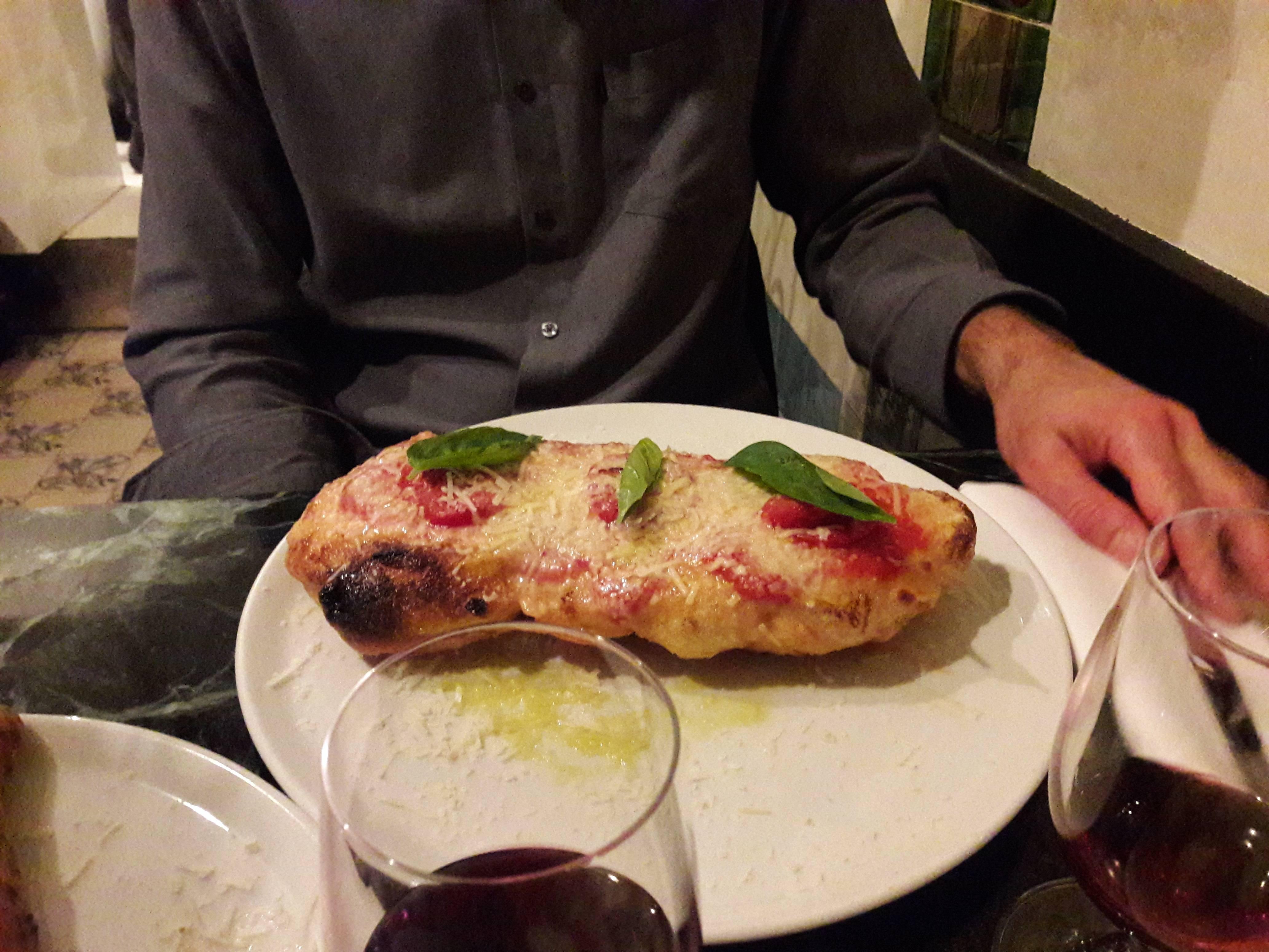Photo 3: Da Graziella et ses pizzas frites...