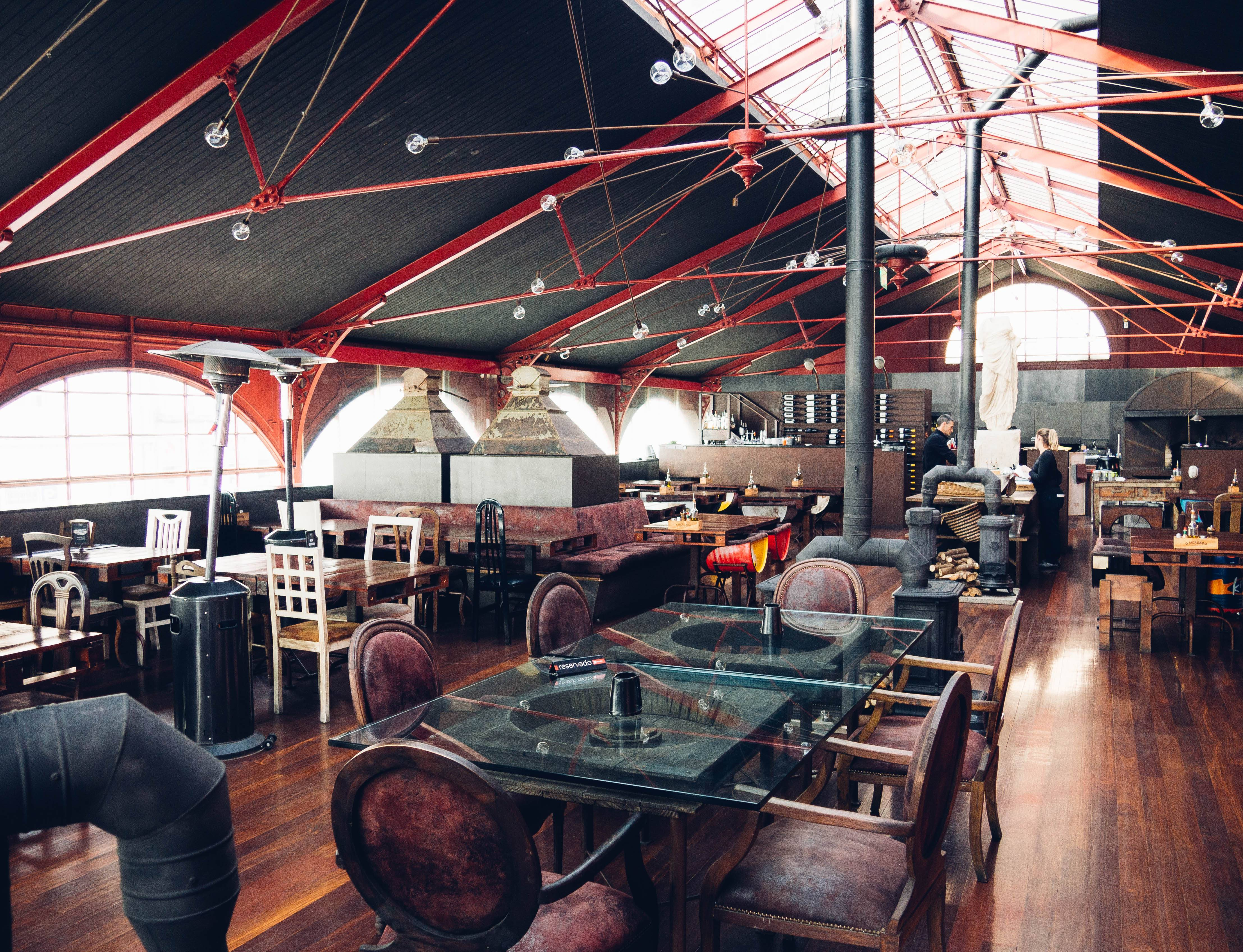 Photo 1: O Mercado, le restaurant industriel