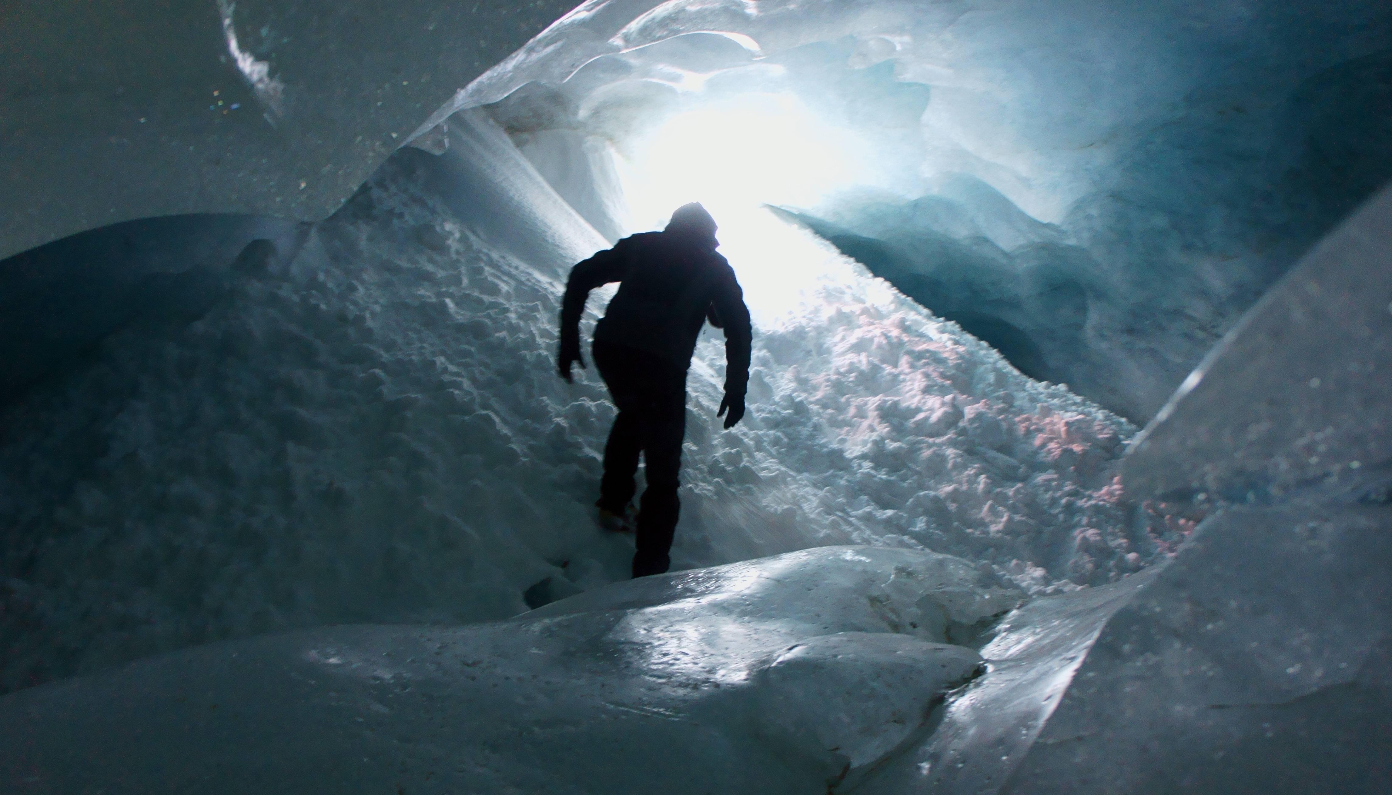 Photo 2: Au cœur d'un glacier : Zinal