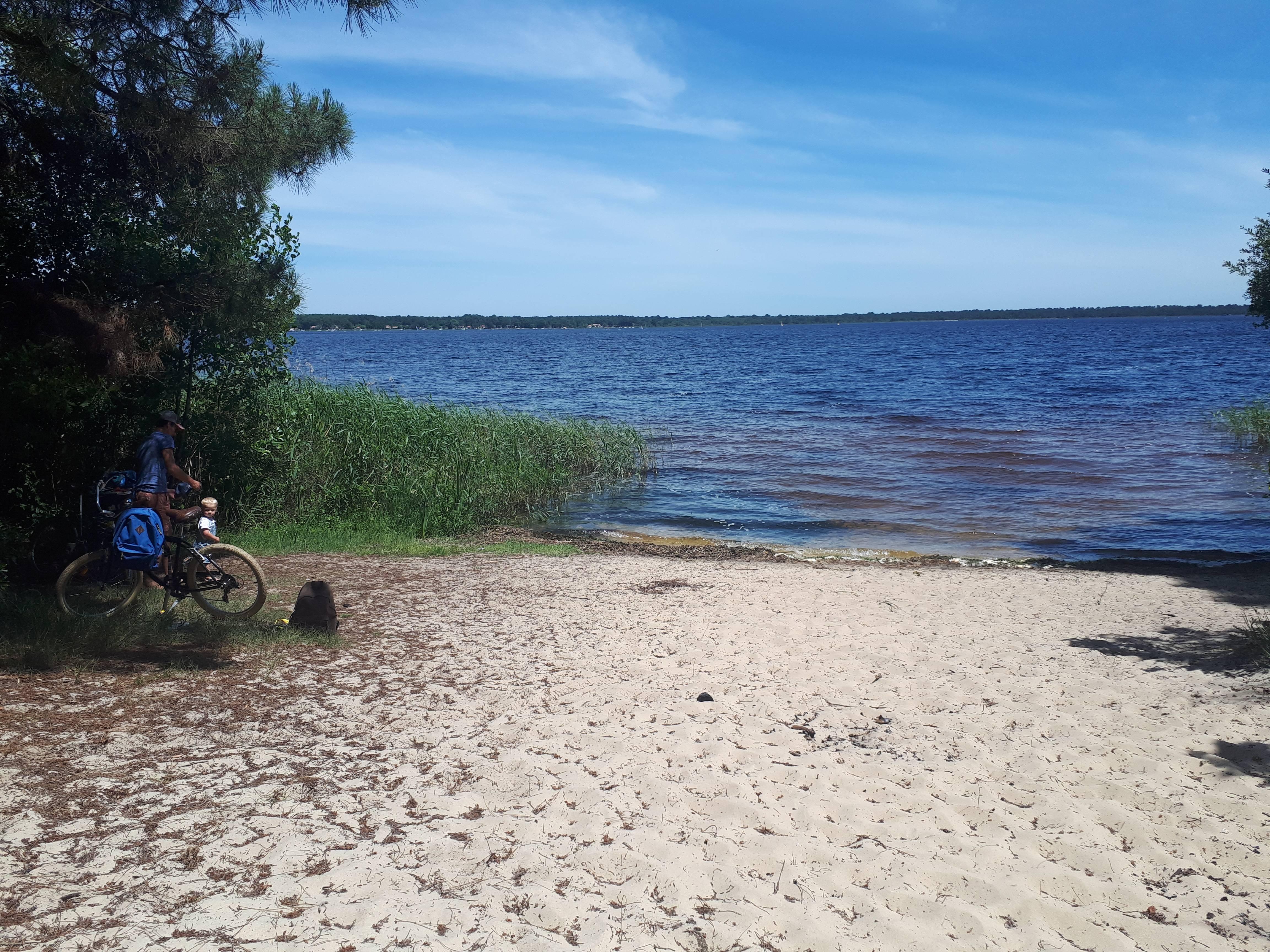Photo 1: Réflexion au bord du lac