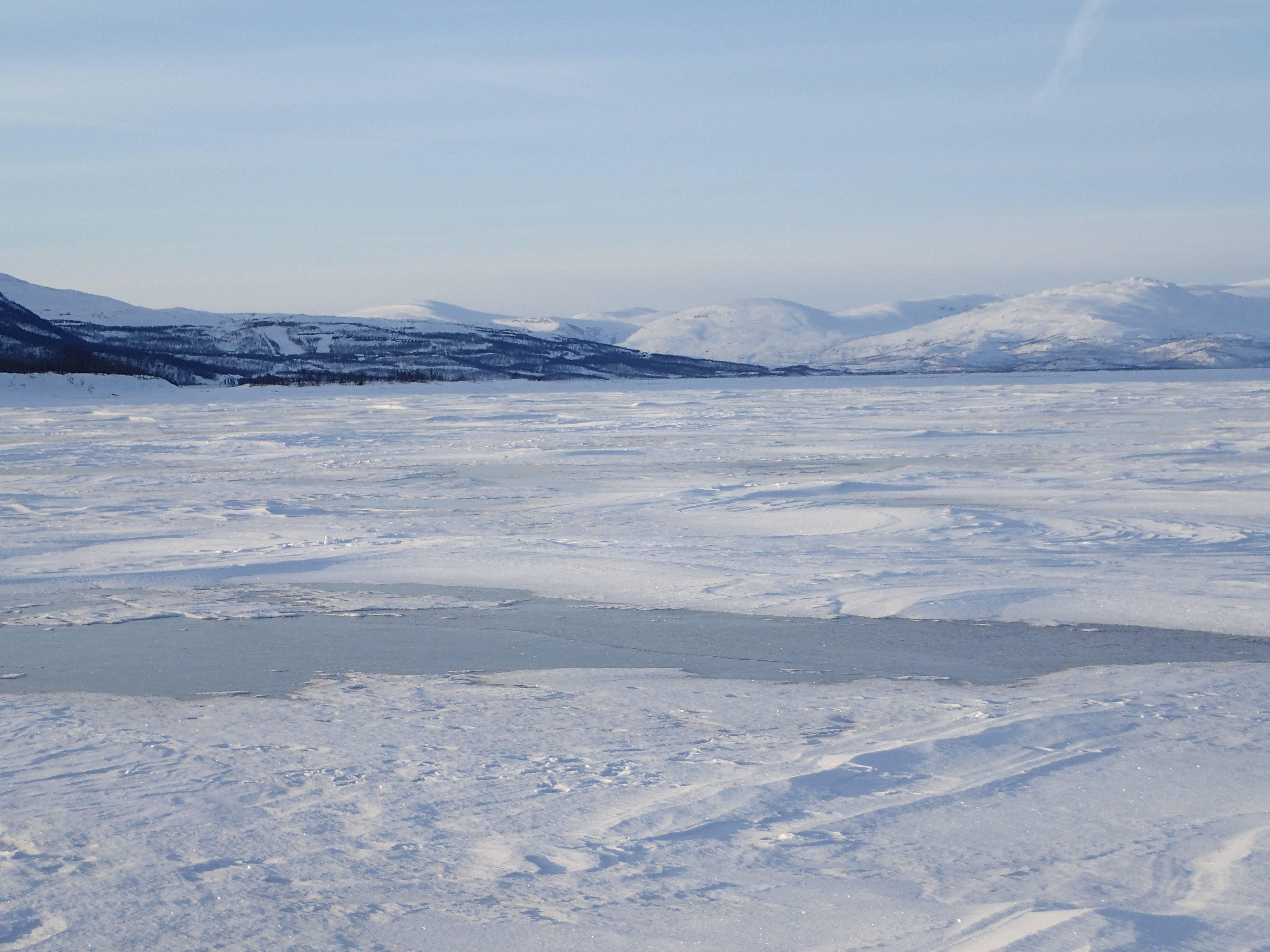 Photo 3: Parc national d'Abisko, un lac gelé de 70km