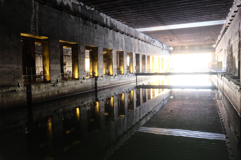 Photo 1: La base sous-marine aux bassins à flots