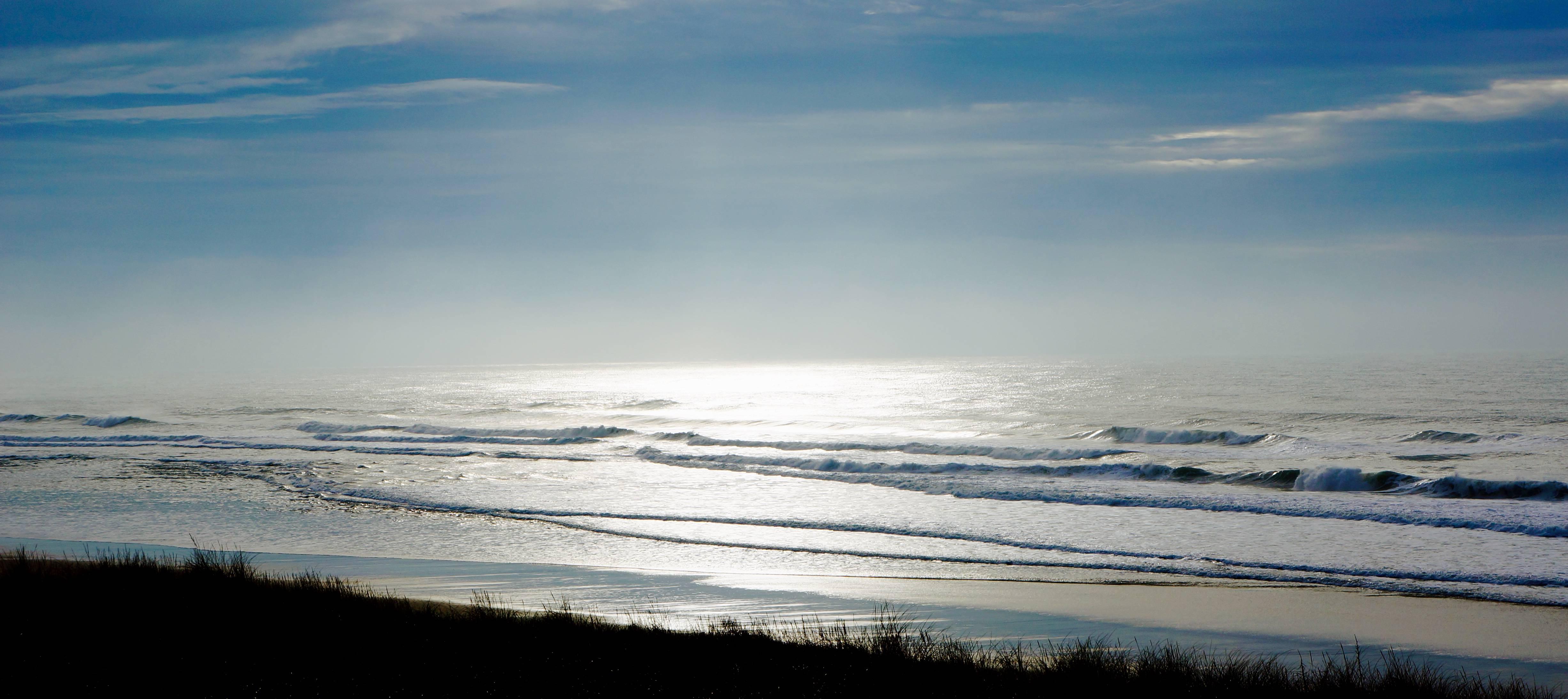 Photo 1: Des vagues et des hommes...