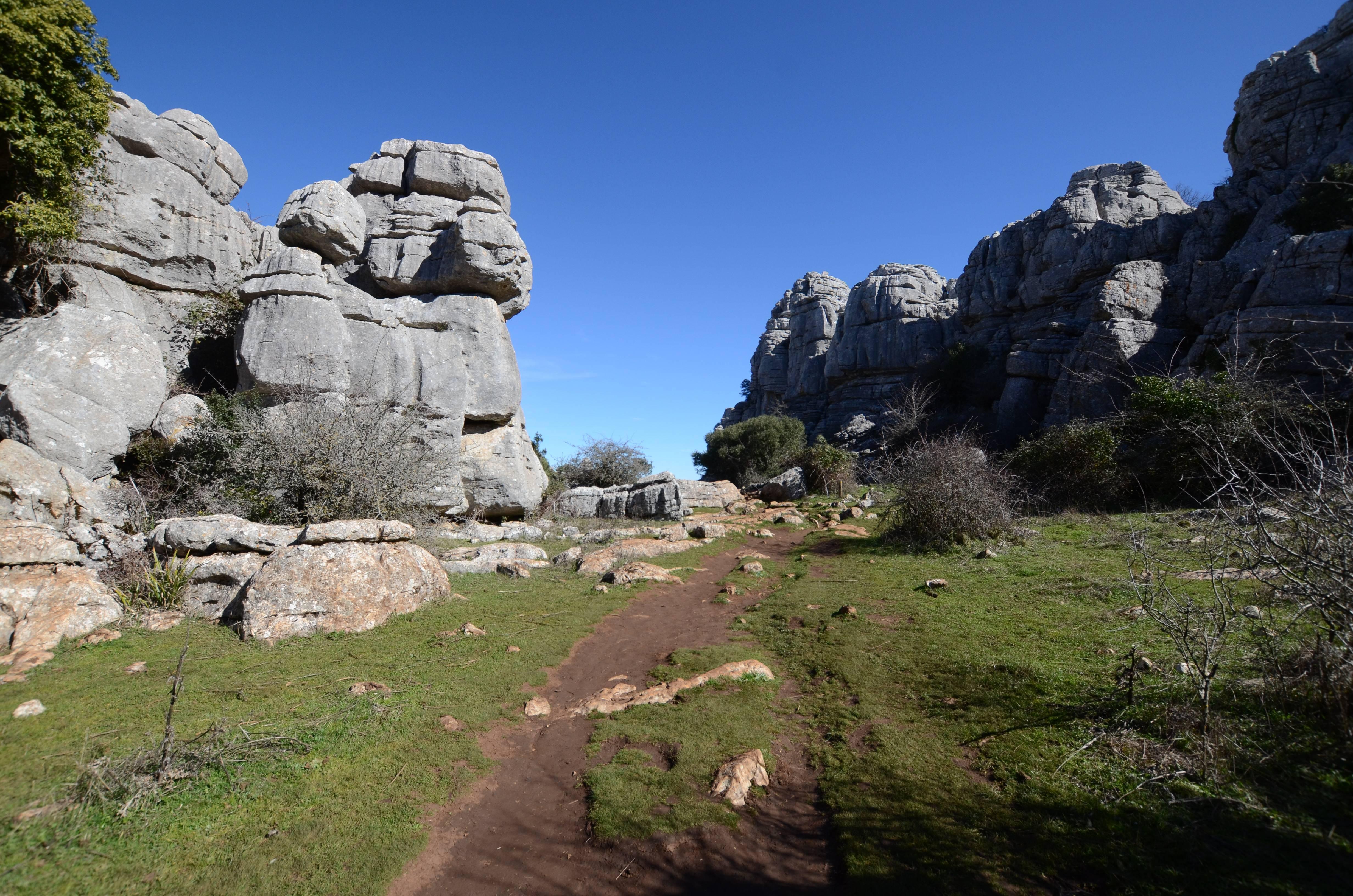 Photo 3: Un site de rochers sculptés par l'eau