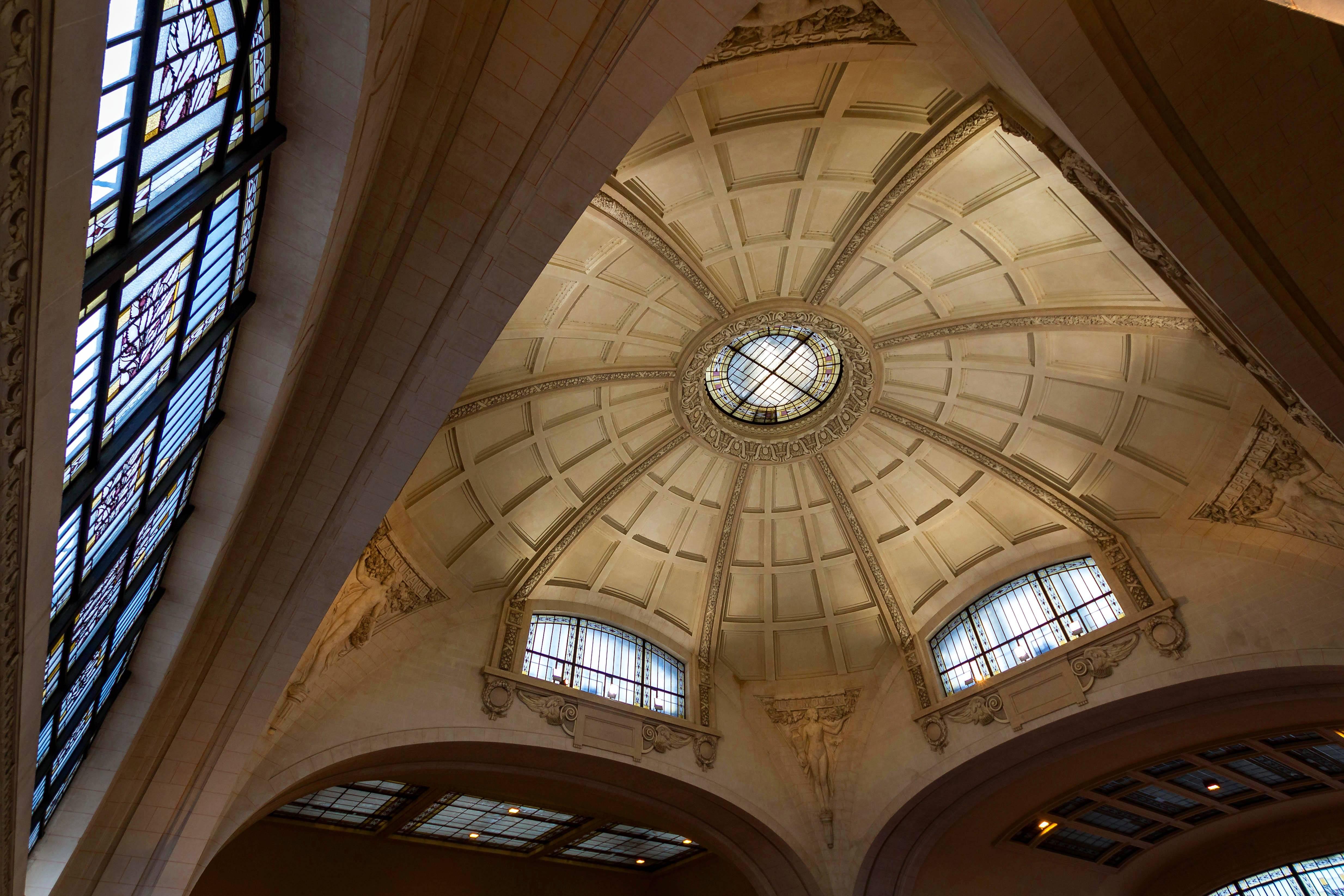 Photo 2: Gare des Bénédictins, une des plus belles d'Europe