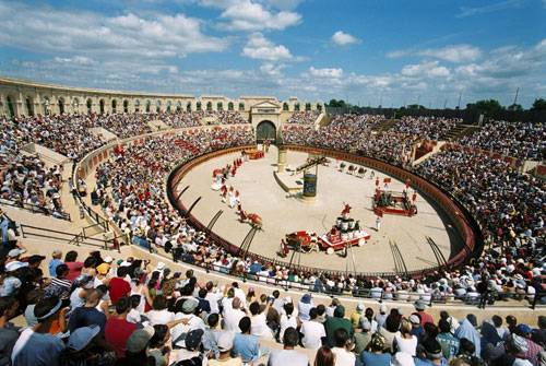 Photo 1: Vivre le Puy du fou