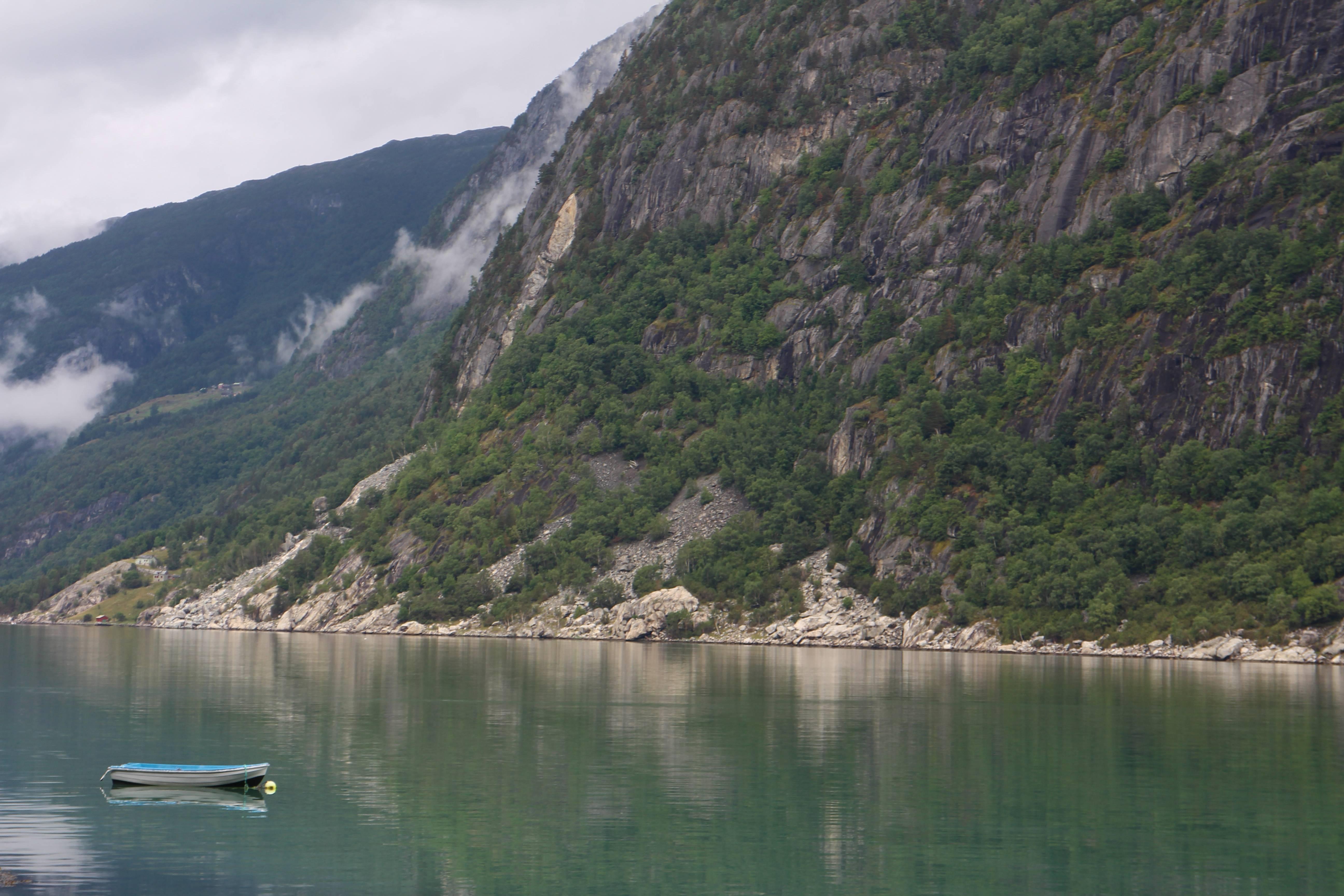 Photo 1: Escale à Eidfjord