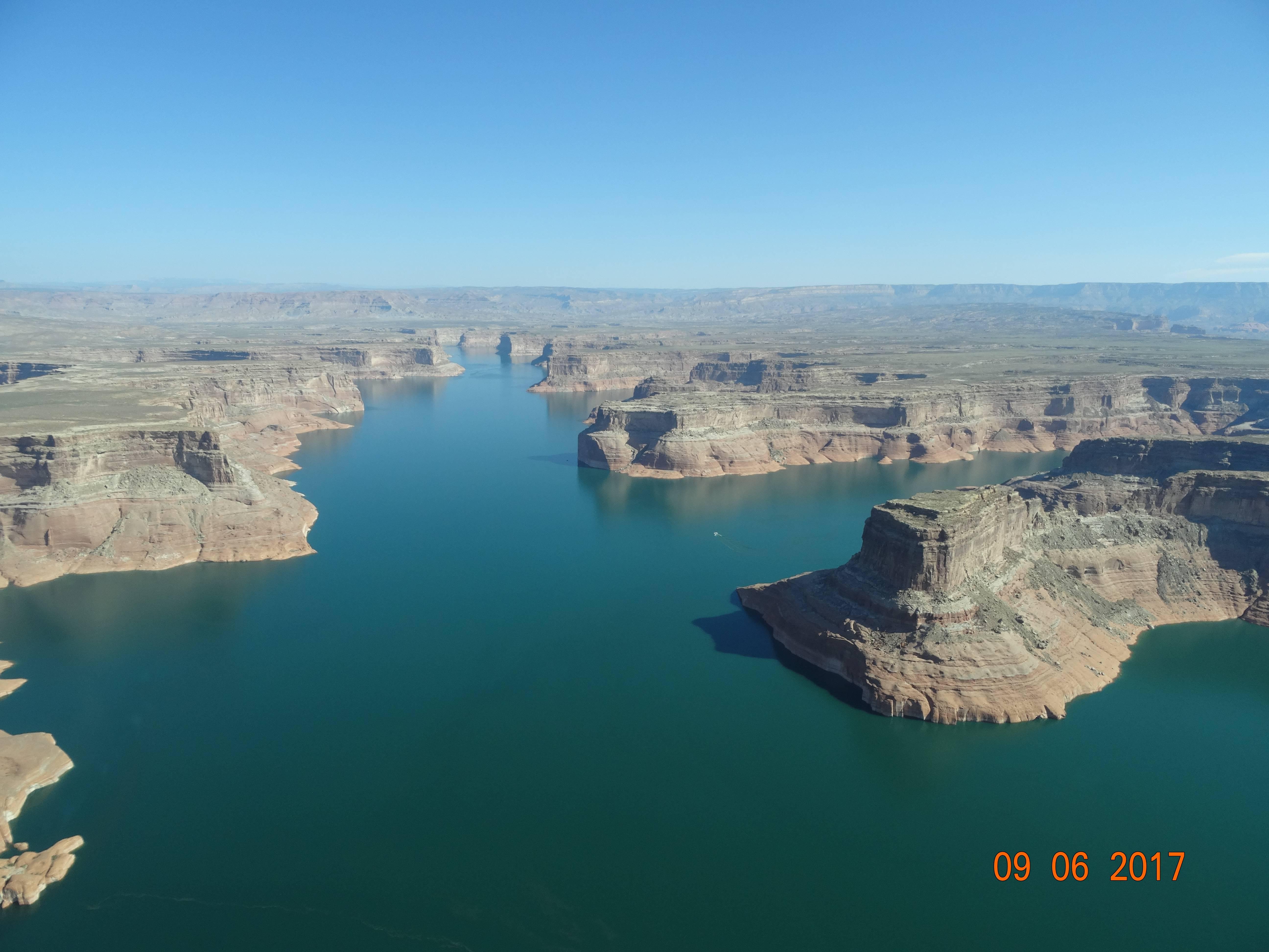 Photo 1: Lake Powell  - Arizona - USA