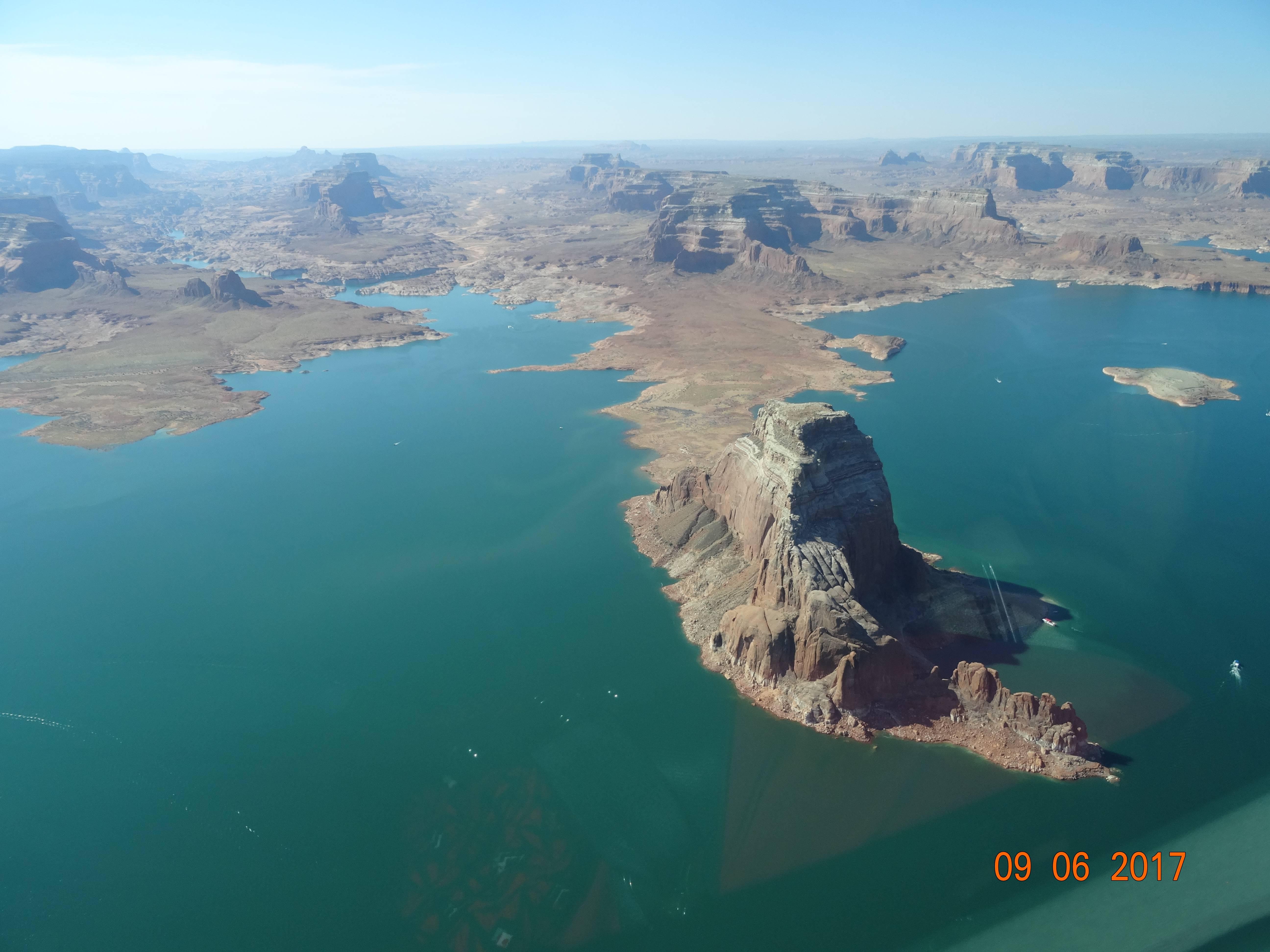 Photo 3: Lake Powell  - Arizona - USA