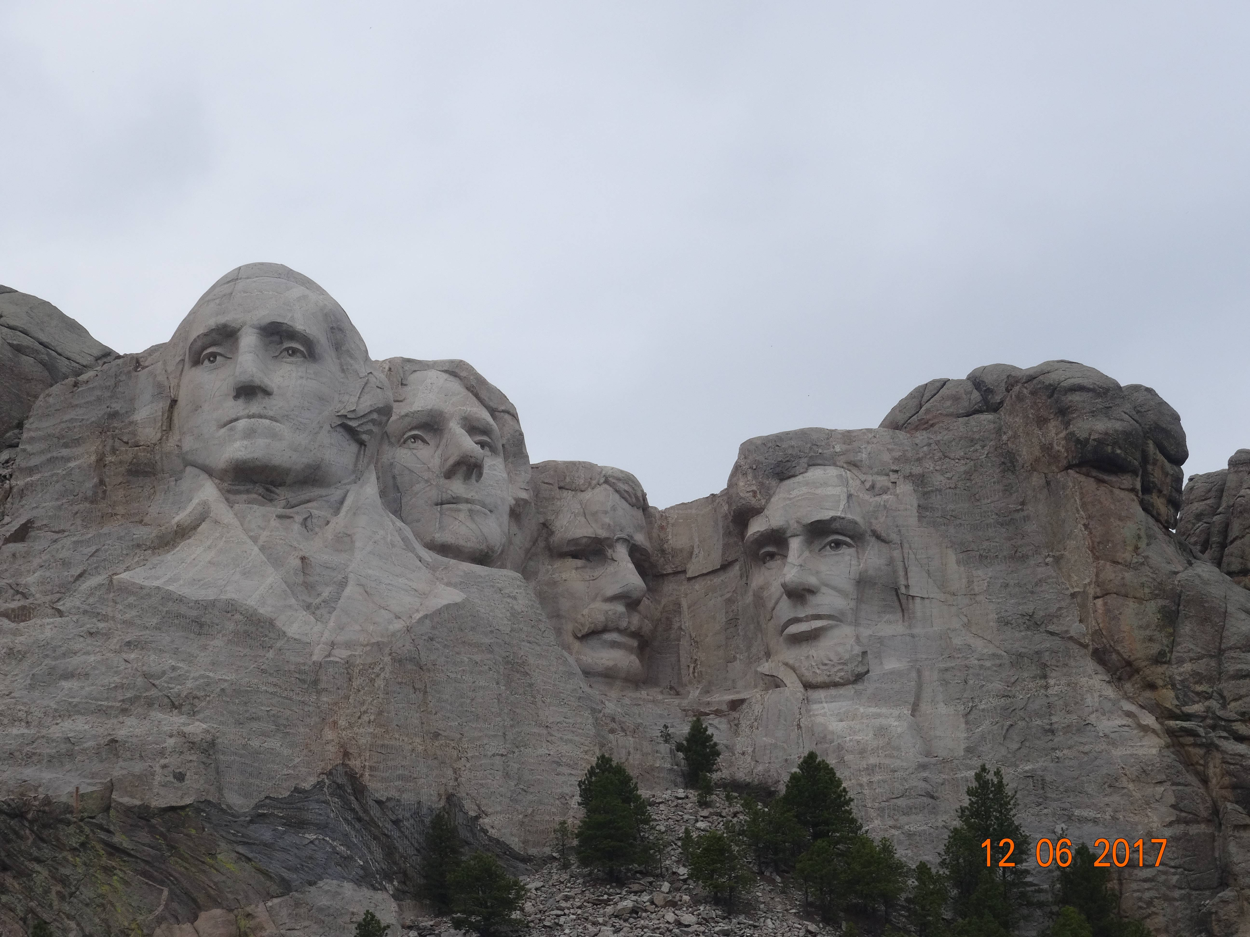 Photo 1: Mount Rushmore National Memorial