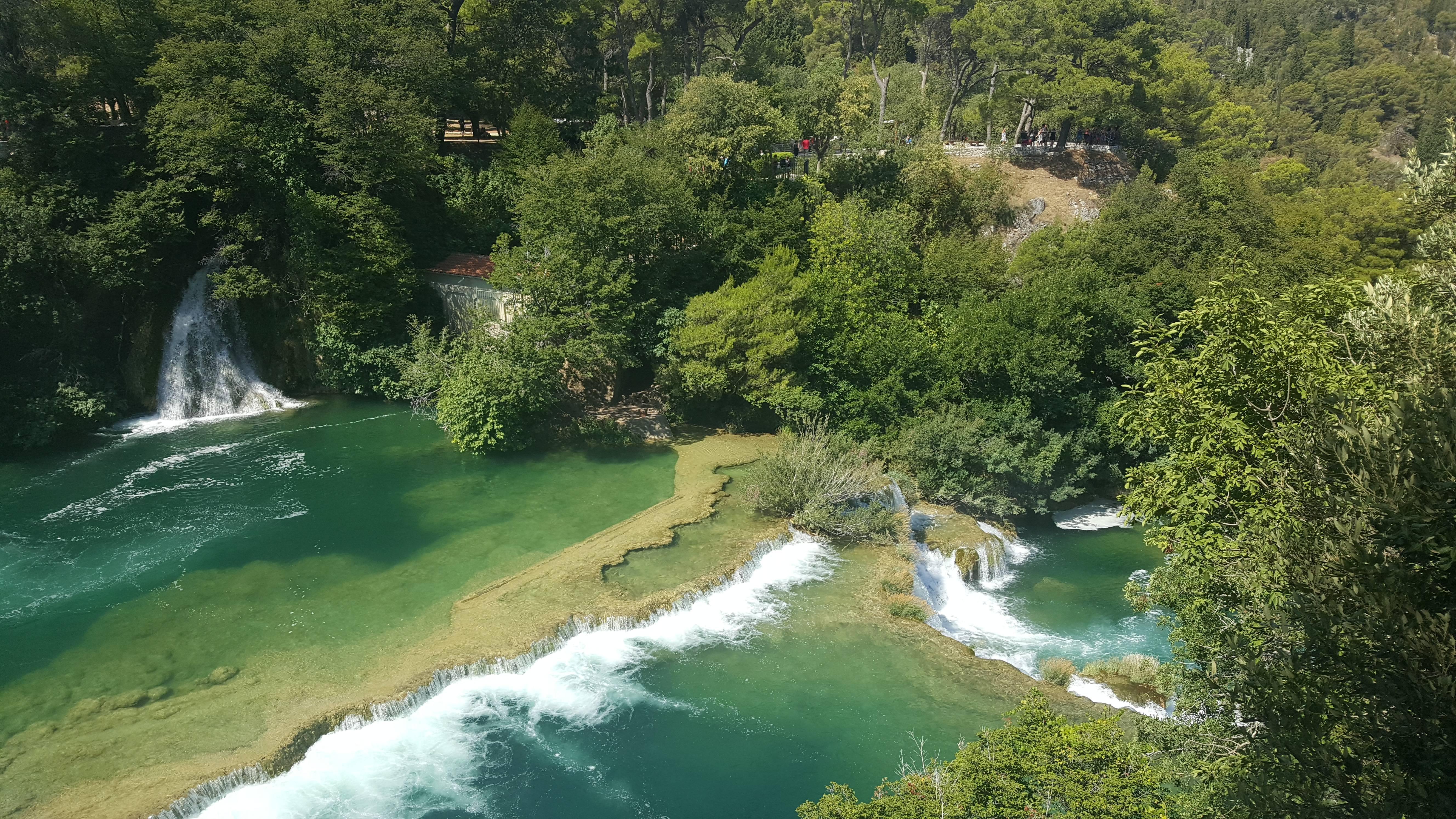 Photo 2: Cascades, Ballades, Baignades sous le soleil croate