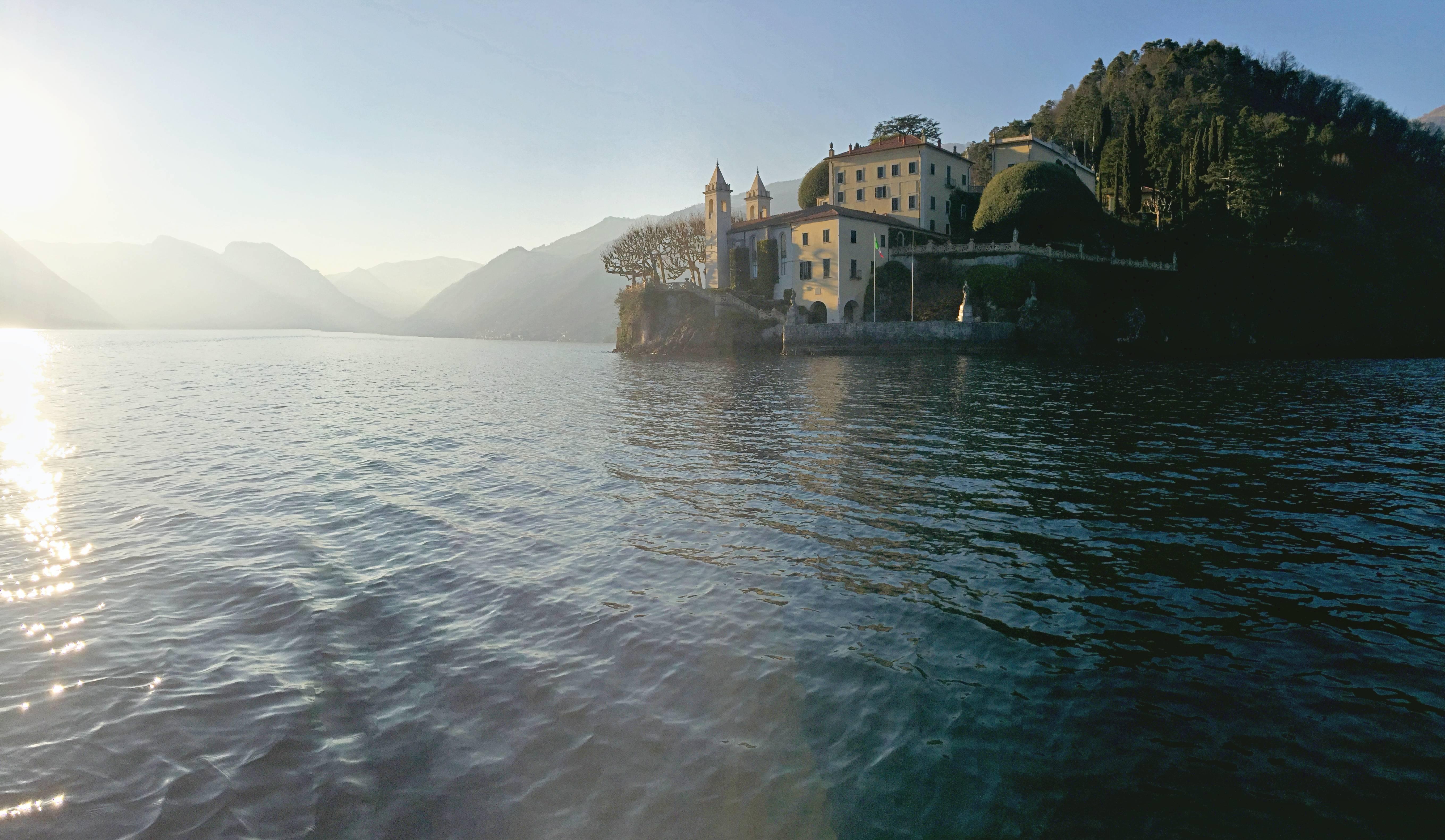 Photo 1: Balade en bateau sur le lac de Côme (oui oui, on a conduit!)