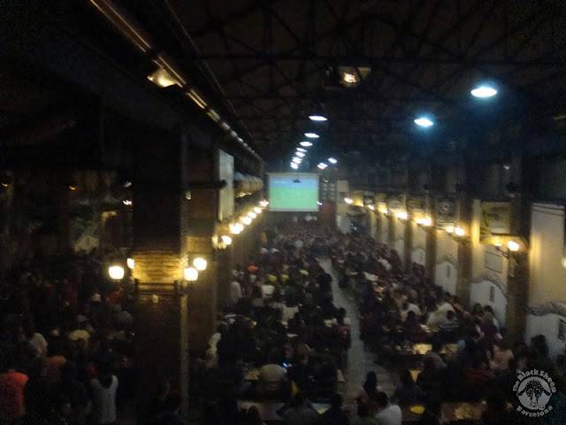 Photo 1: Ovella Negra - Le bar incontournable de Barcelone