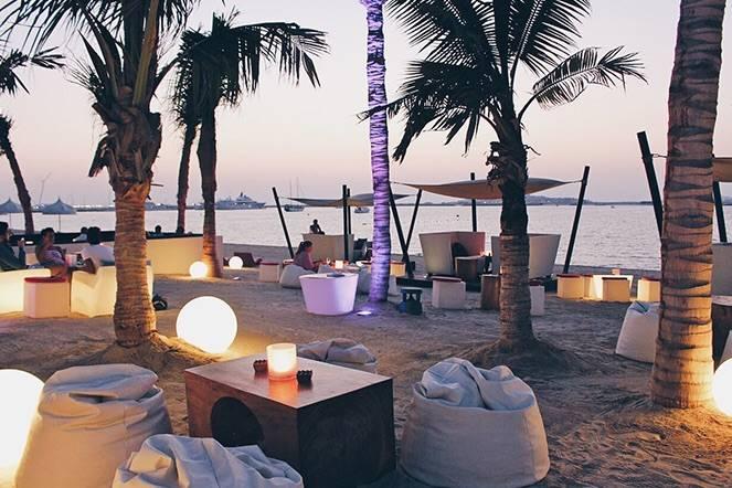 Photo 1: Bar lounge idyllique