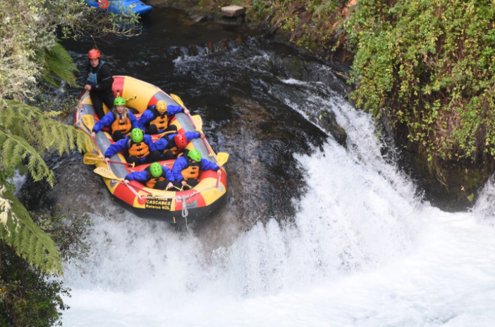 Photo 2: Descente des cascades en rafting