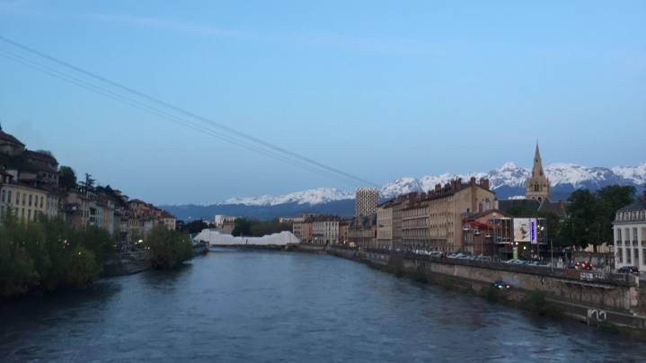 Photo 1: Au bord de l´Isère à Grenoble