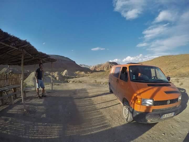 Photo 3: Parc Altyn Emel au Kazakhstan. Dunes, formations rocheuses et solitude.