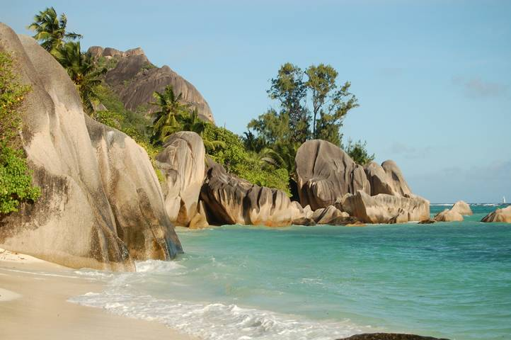 Photo 1: Moment paradisiaque sur la plage Anse Source d'Argent