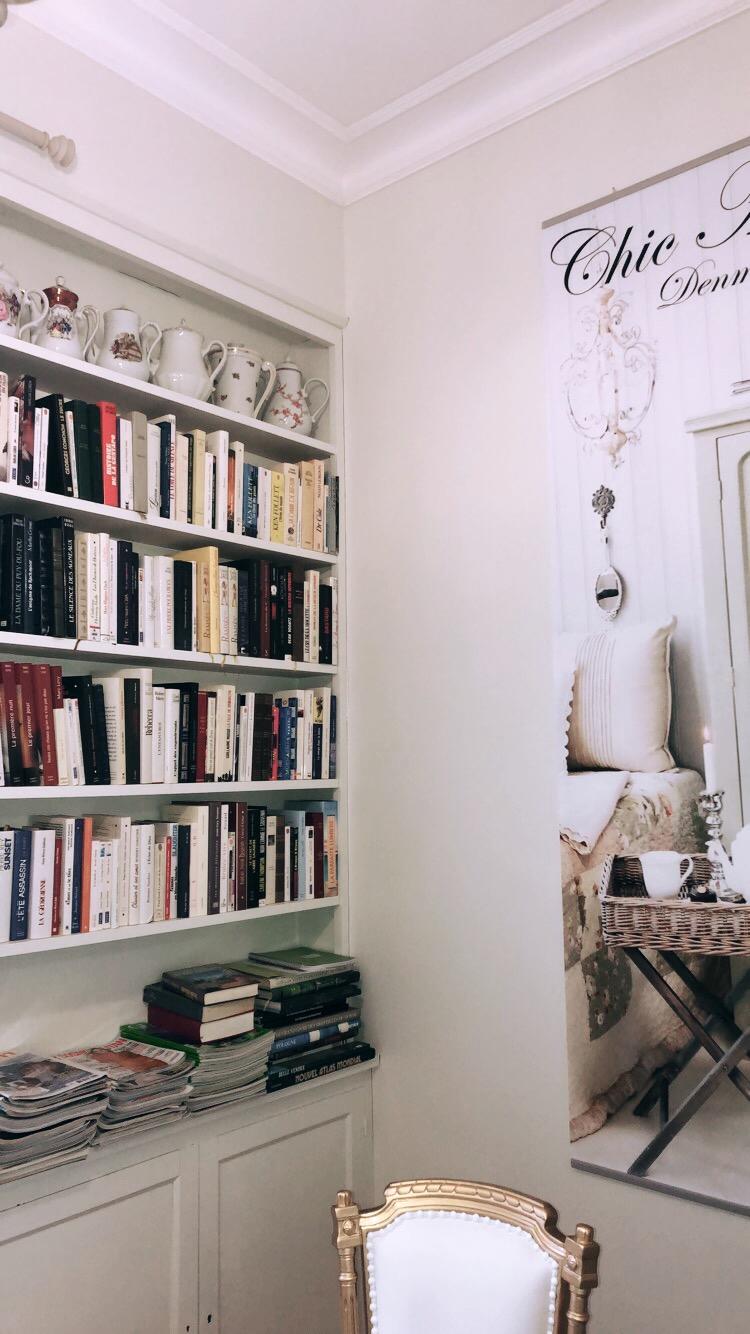 Photo 3: Le Boudoir de Jeanne : le lieu où j'aime réviser mes cours !