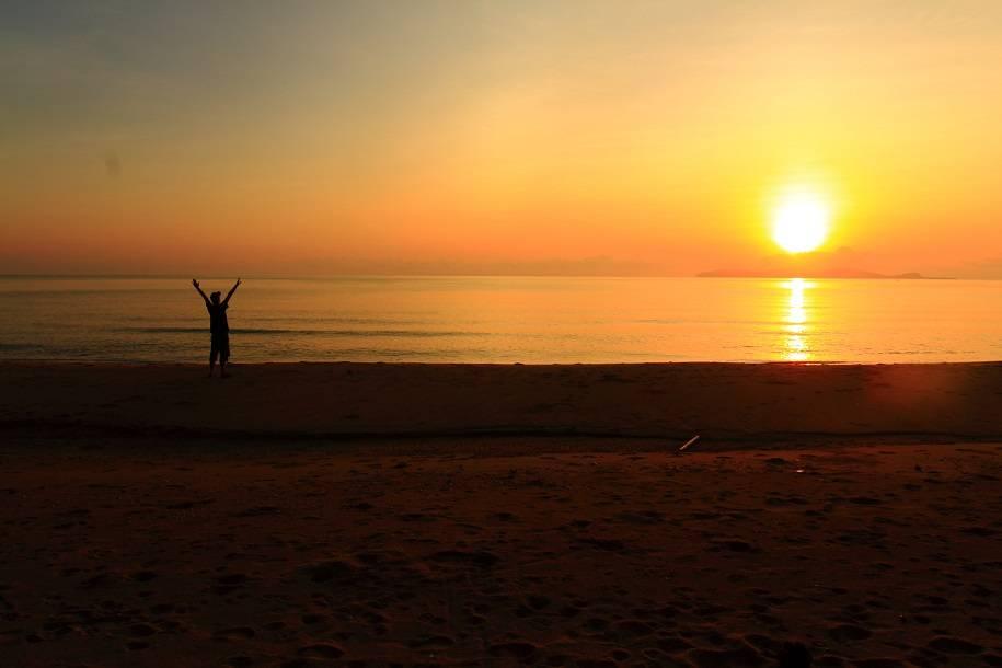 Photo 1: Côte-Est Thaïlandaise à vélo - Les plages de sable blanc sans les touristes !