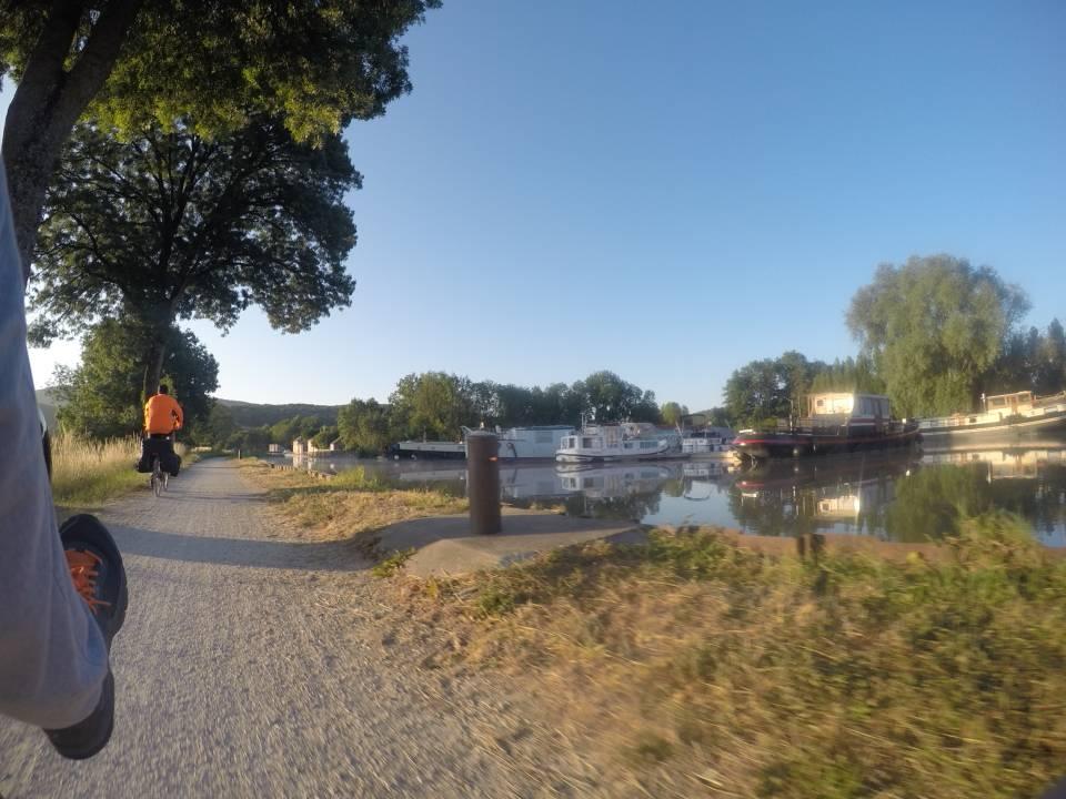 Photo 2: Le tour de la Bourgogne à vélo par les canaux