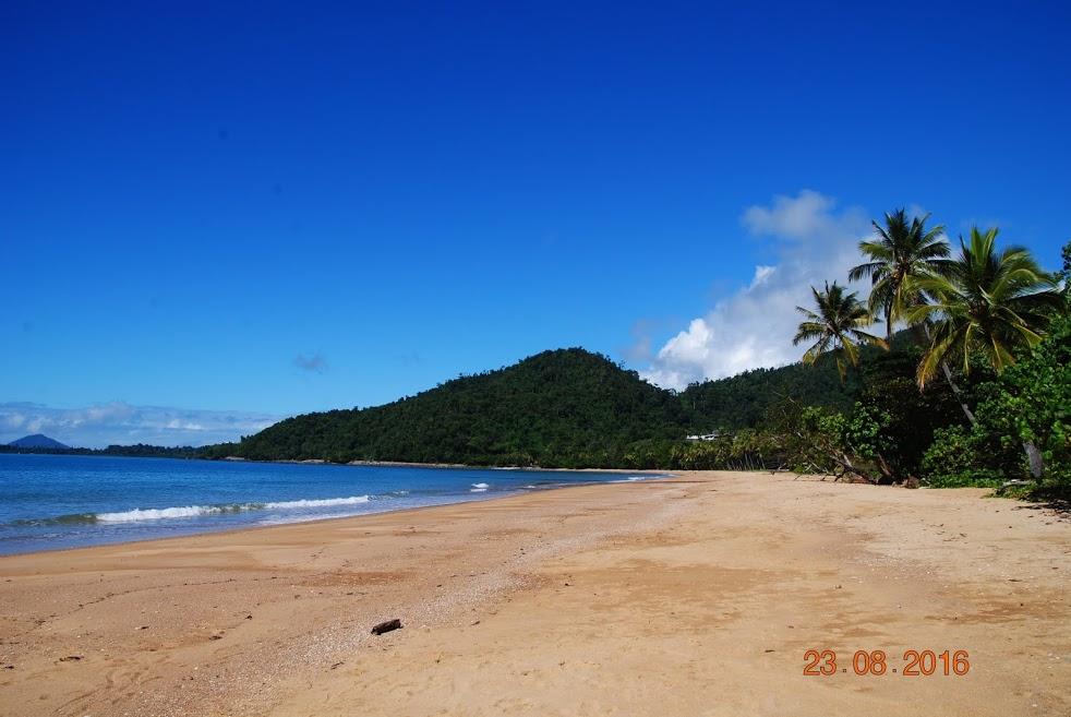 Photo 1: Bingil Bay : plage sauvage et paisible