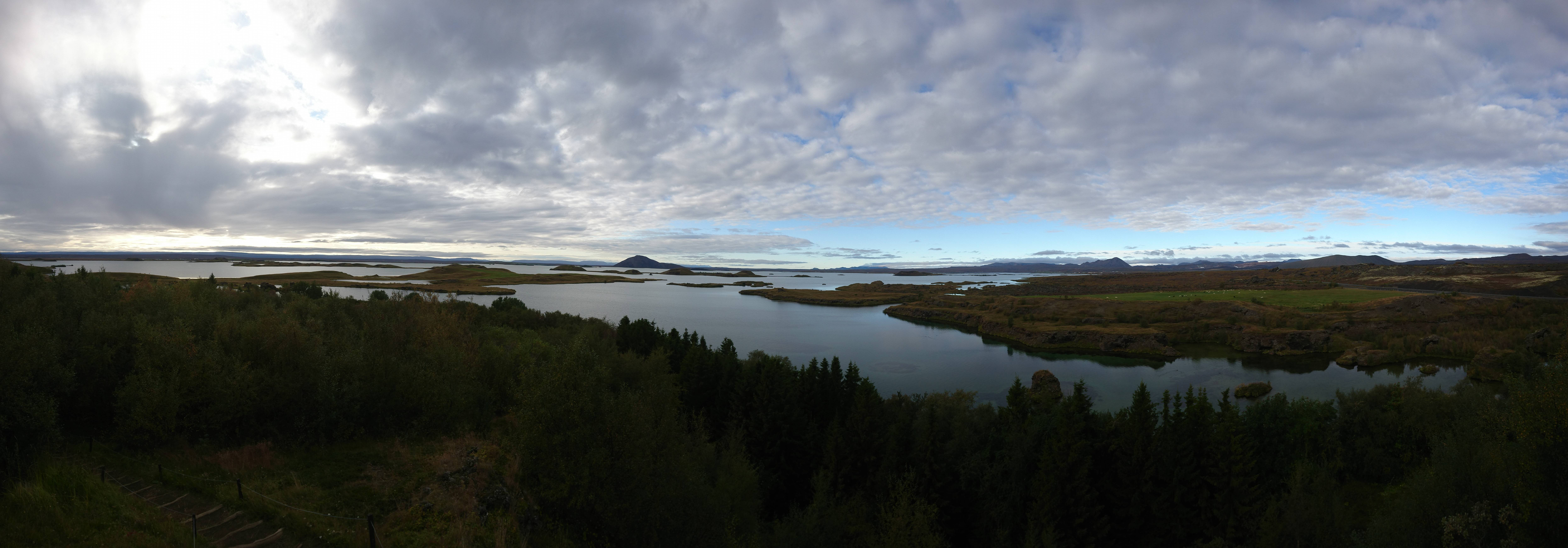 Photo 1: Le Lac de Myvatn, sérénité assurée