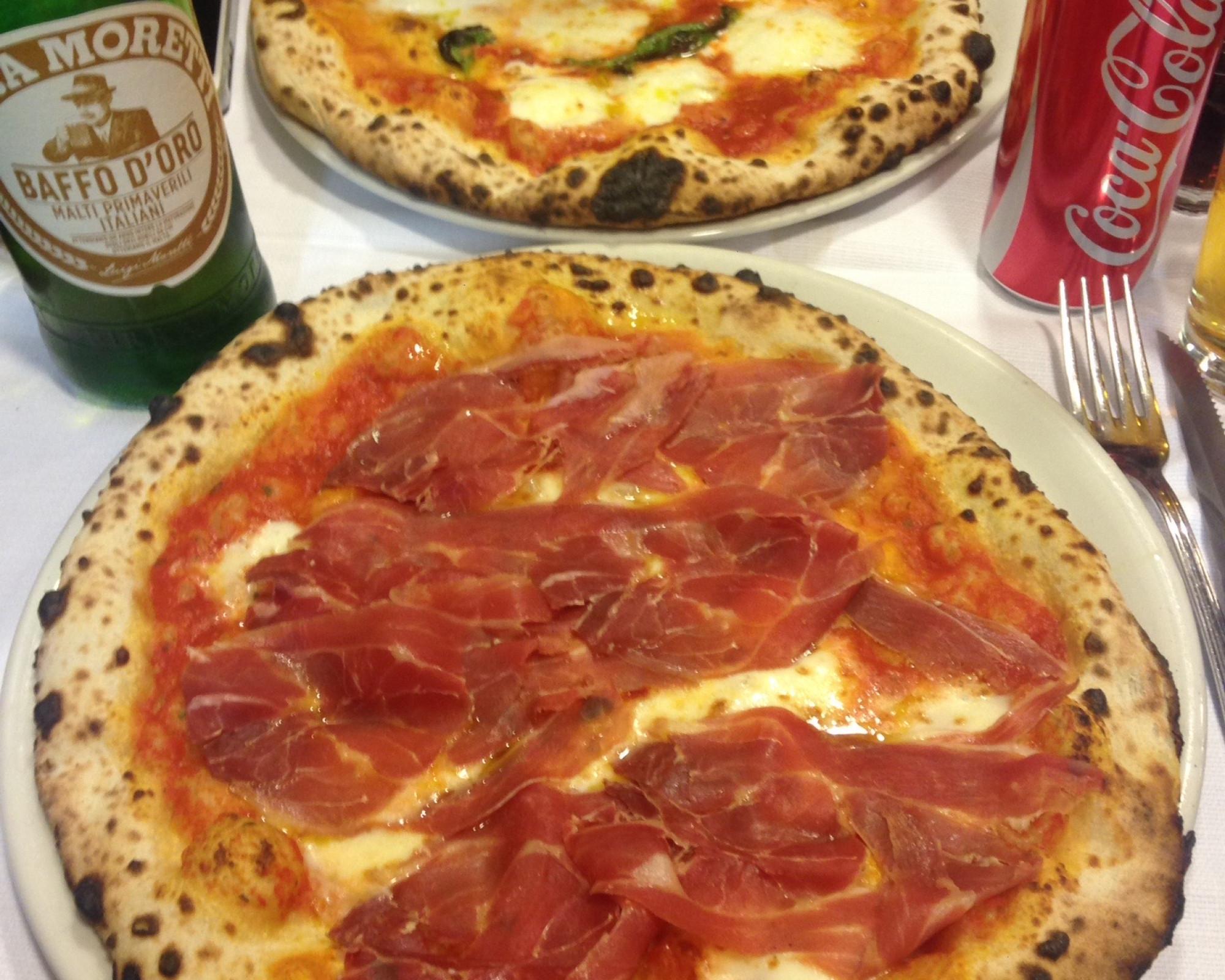 Photo 1: Piccolo Buco - Pizzeria