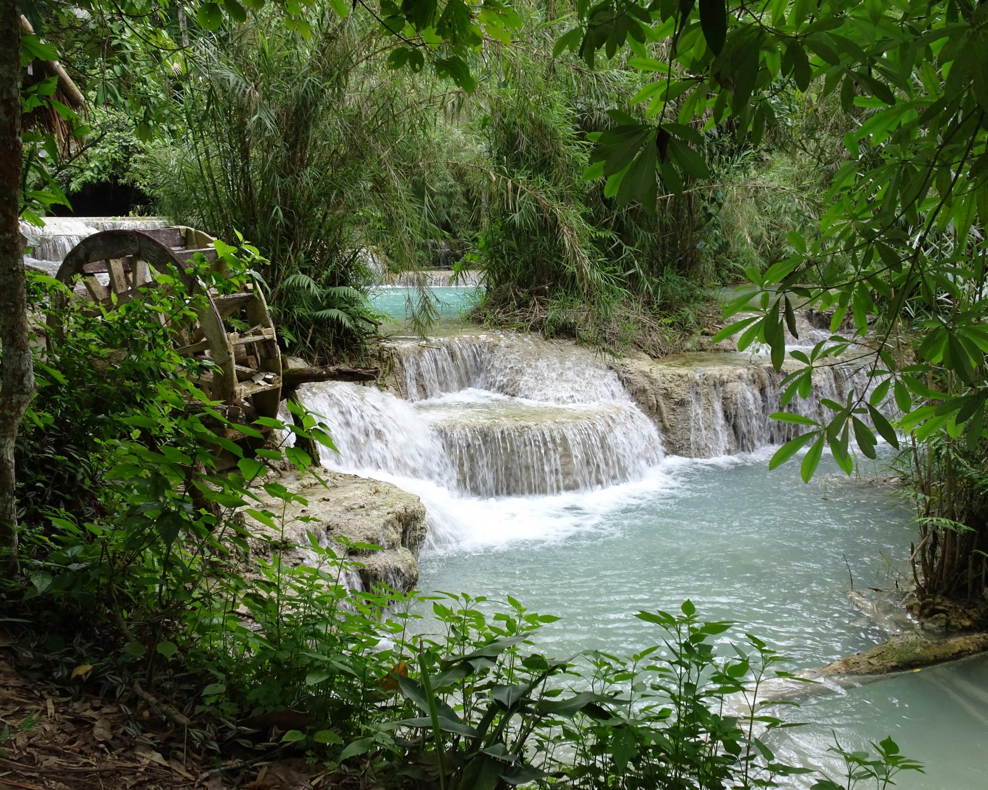 Photo 2: Kuang Si falls, irréelles et somptueuses !