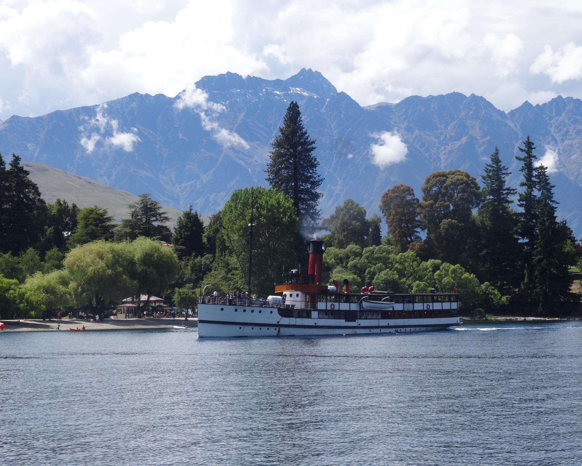 Photo 1: Queenstown, Nouvelle-Zélande, la St-Moritz des antipodes